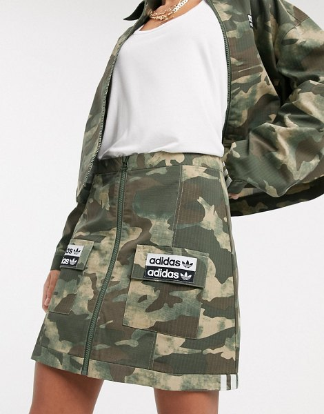 adidas Originals ryv patch pocket skirt in camo-green in green