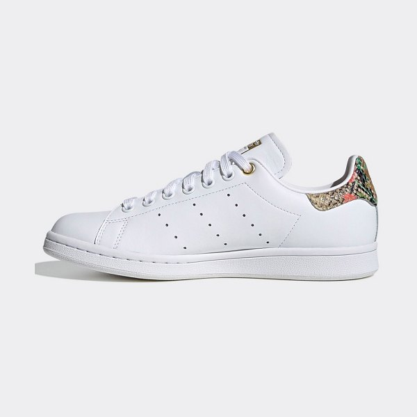 adidas Originals stan smith sneakers in white and snake print in white