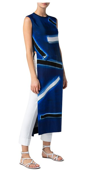 Akris Sleeveless Abstract-Print Long Silk Tunic in blue pattern
