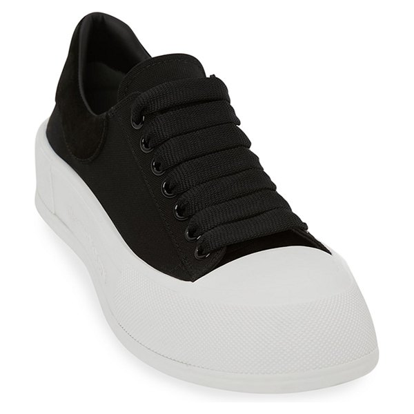 Alexander McQueen Plim Chunky-Sole Court Sneakers in 1070 blk wht