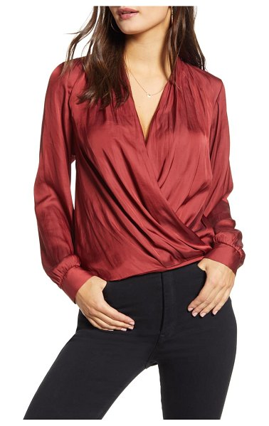 ALL IN FAVOR crinkle satin top in rosewood
