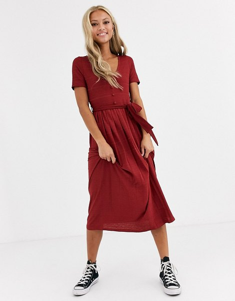 ASOS DESIGN textured midi pleated dress with belt in red in red