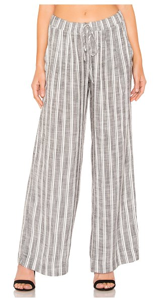 Bella Dahl pleated front wide leg pant in white