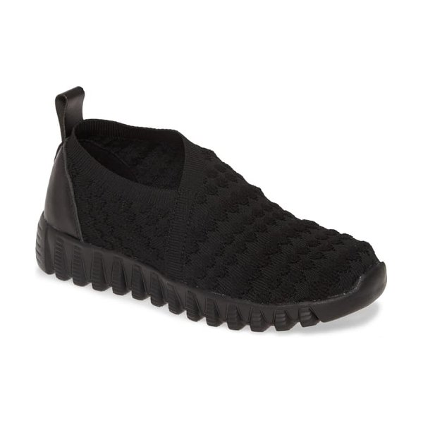 bernie mev. amie slip-on sneaker in black fabric