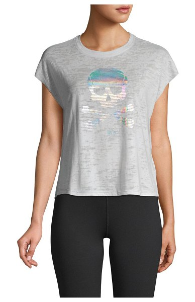 Betsey Johnson Performance Metallic Skull Graphic Short T-Shirt in arctic