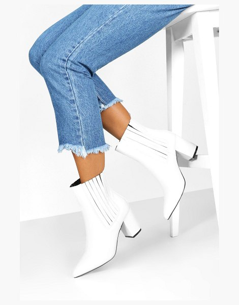 Boohoo Block Heel Pointed Shoe Boots in white