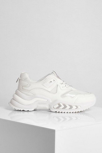 Boohoo Chunky Contrast Lace Trainer in white