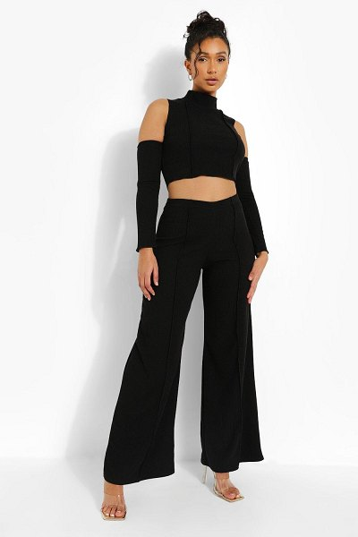 Boohoo Crinkle Rib Exposed Seam Crop And Pants in black