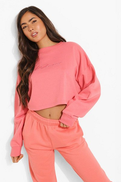 Boohoo Cropped Woman Embroidered Sweatshirt in coral