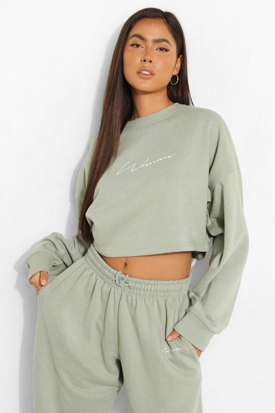Boohoo Cropped Woman Embroidered Sweatshirt in sage