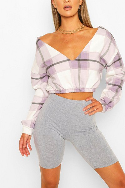 Boohoo Flannel V Neck Crop Sweat in lilac
