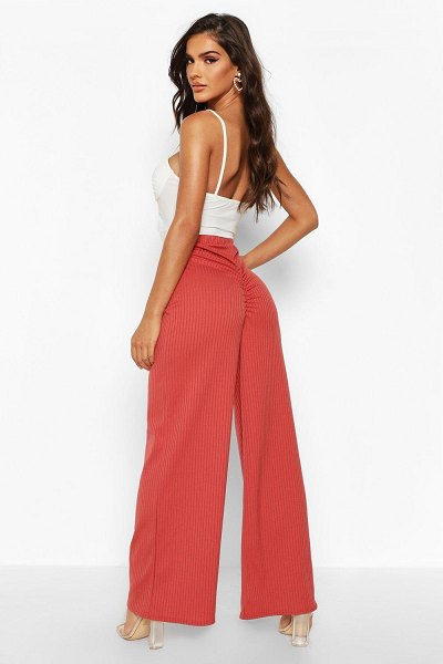 Boohoo Ruched Bum Ribbed Wide Leg pants in rose