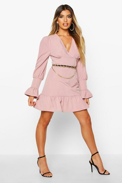 Boohoo Ruffle Detail Plunge Smock Dress in dusky pink