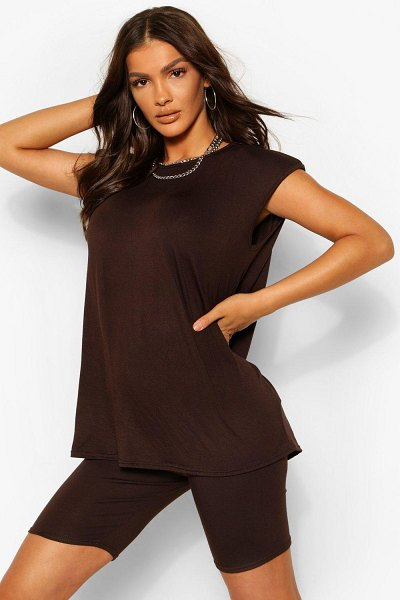 Boohoo Shoulder Pad T-Shirt And Cycling Short Co-Ord in chocolate