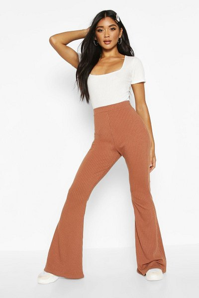 Boohoo Soft Ribbed Flare Trouser in toffee