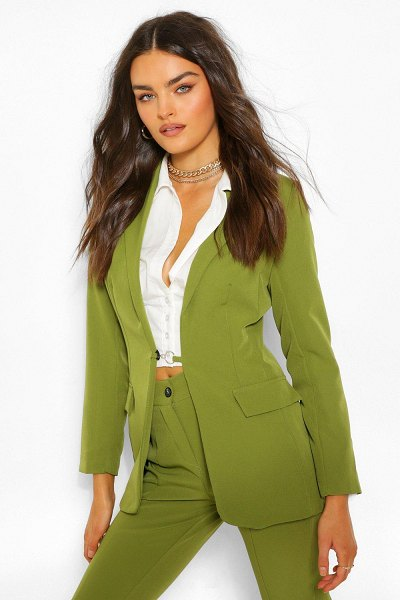 Boohoo Tailored O Ring Detail Blazer in olive