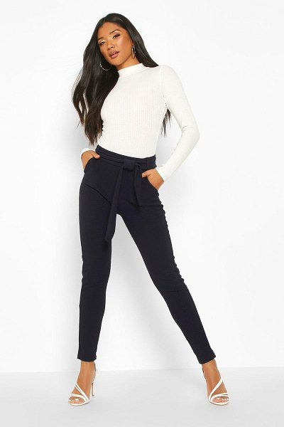 Boohoo Tapered Leg Trouser With Tie Belt And Pocket in navy