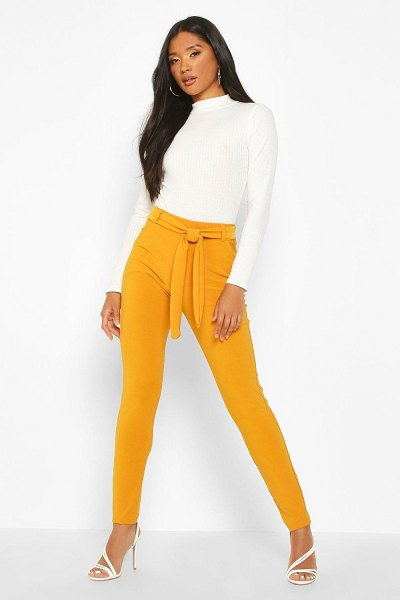 Boohoo Tapered Leg Trouser With Tie Belt And Pocket in gold