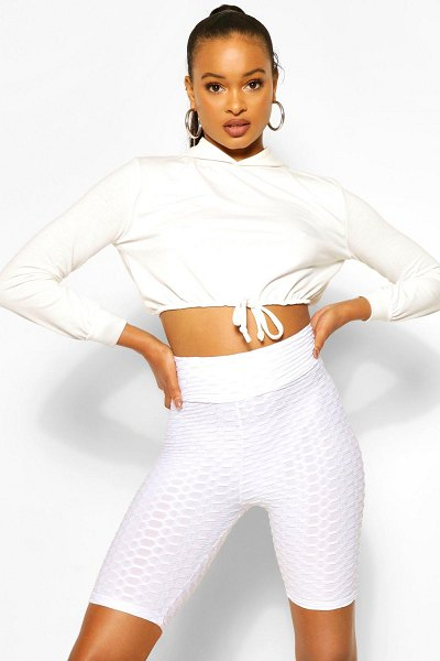 Boohoo Textured Fitted Cycling Short in ivory