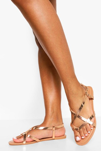 Boohoo Toe Post Basic Strappy Sandal in rose gold