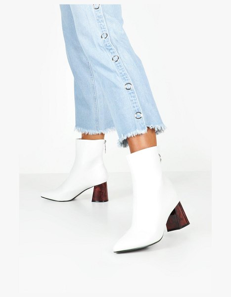 Boohoo Tort Heel Pointed Toe Shoe Boots in white