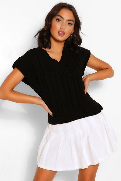 Boohoo V Neck Cable Knit Crop Top in black