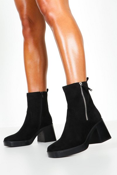 Boohoo Zip Side Chunky Sole Boots in black