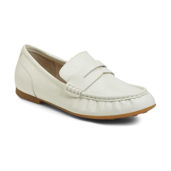 Born b?rn betti loafer in white patent leather