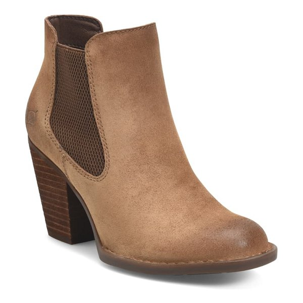 Born b?rn elaine chelsea boot in tan distressed leather