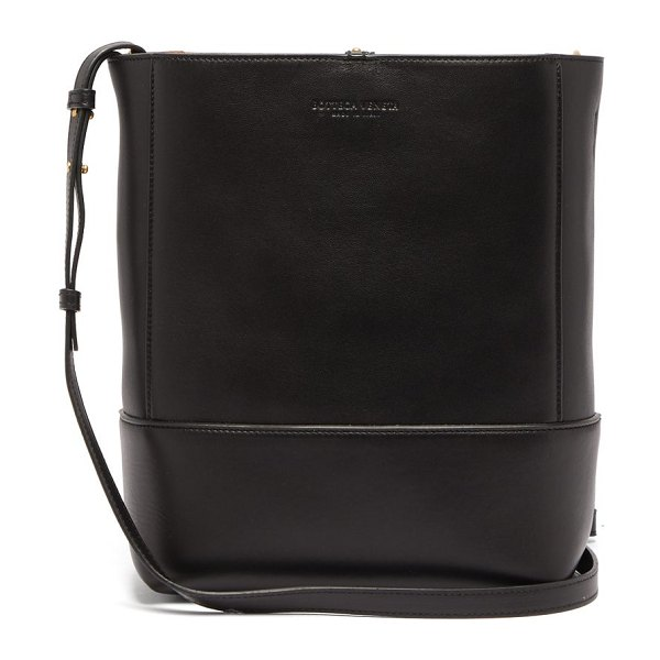 Bottega Veneta leather bucket bag in black