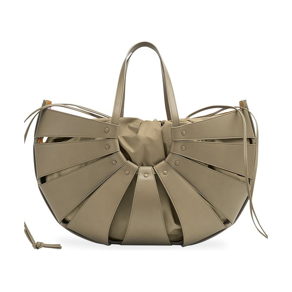 Bottega Veneta The Shell Bag in taupe