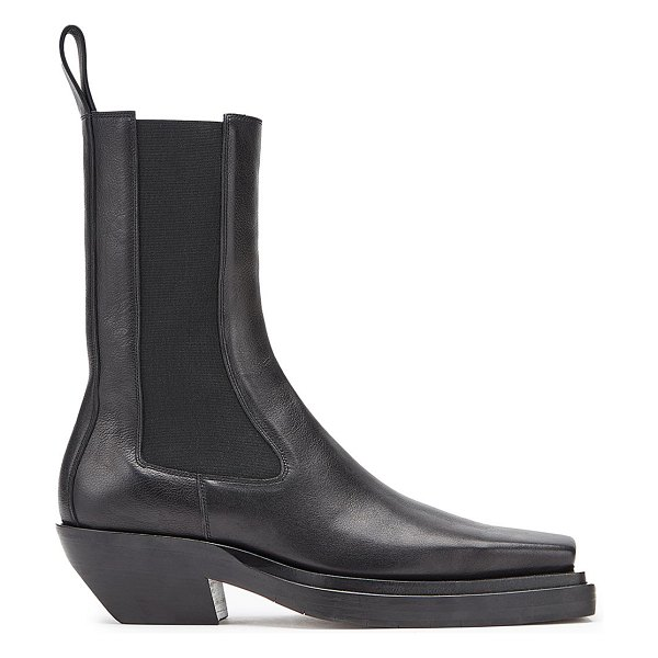 Bottega Veneta western leather chelsea boots in black