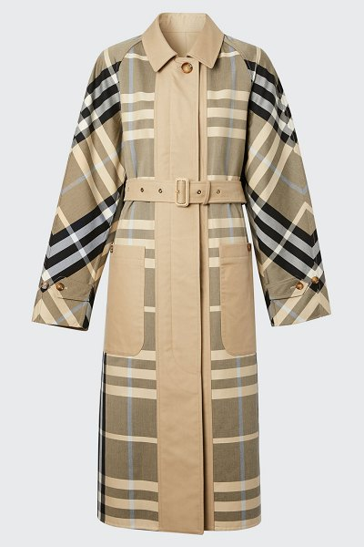 Burberry Ardeley Belted Reversible Check Coat in soft fawn