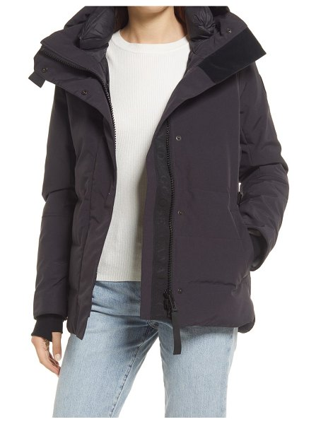 Canada Goose lyndale water resistant 625 fill power down parka in navy - marine