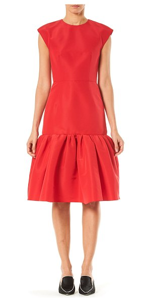 Carolina Herrera Silk-Taffeta Bow-Back Flounce Dress in red