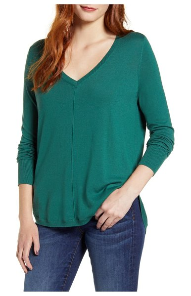 Caslon caslon high-low v-neck sweater in green posy