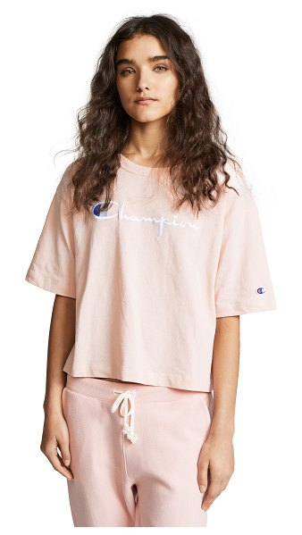 Champion Premium Reverse Weave maxi t-shirt in orchid - Fabric: Jersey Embroidered logo T-shirt style...