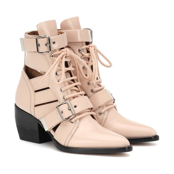 Chloe Rylee patent leather ankle boots in pink - Calling all Chloé girls: the Rylee ankle boots are one...