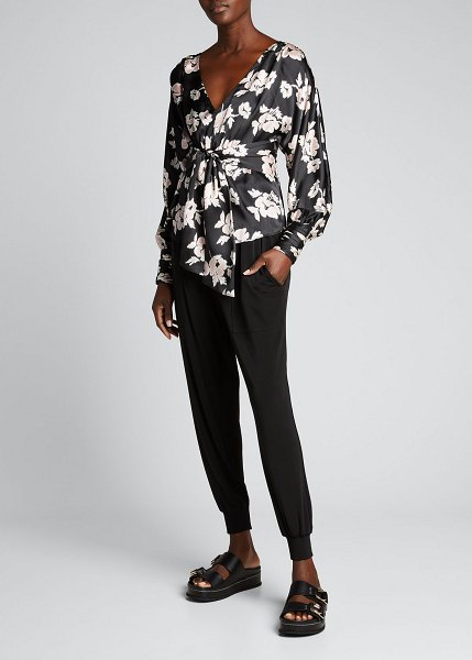 Cinq a Sept Yesenia Floral-Print Knotted Silk Top in blackmulti