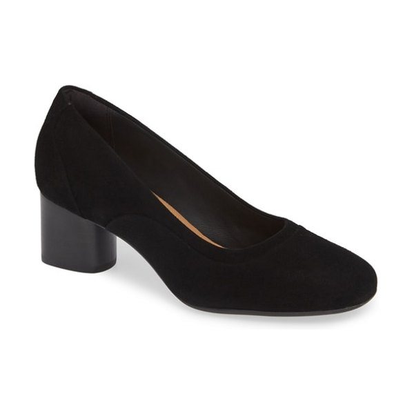 Clarks clarks un cosmo step pump in black suede
