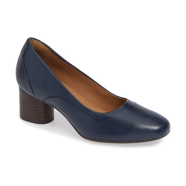 Clarks clarks un cosmo step pump in navy leather