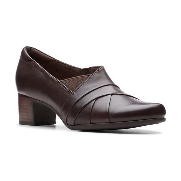 Clarks clarks un damson adele pump in brown leather