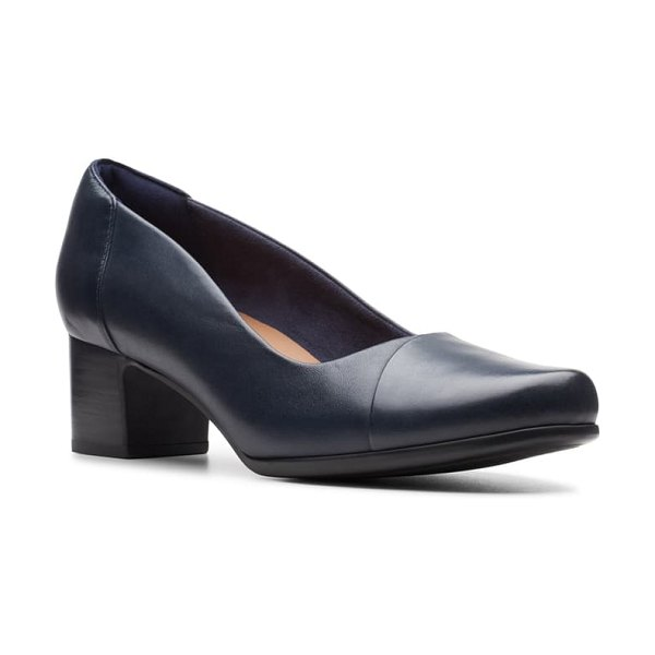 Clarks clarks un damson step pump in navy leather