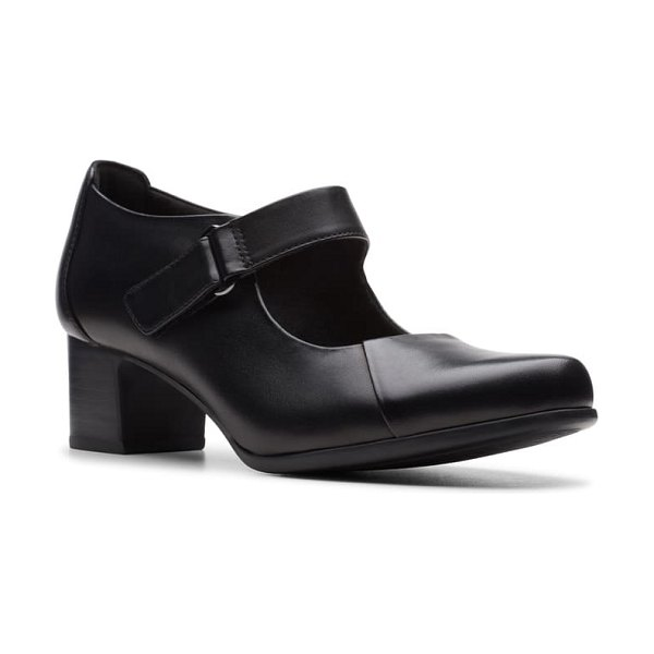 Clarks clarks un damson vibe pump in black leather