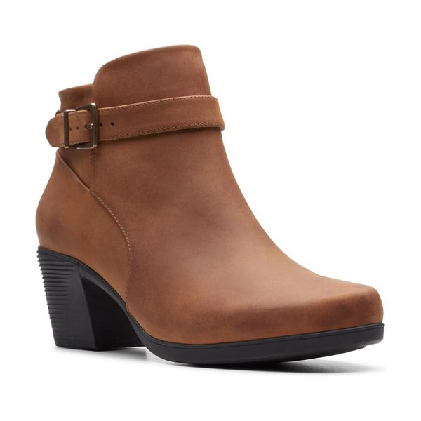 Clarks clarks un lindel bootie in dark tan oily leather