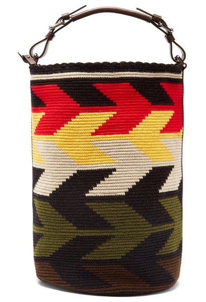 COLVILLE arrow large leather-trim woven bucket bag in red multi