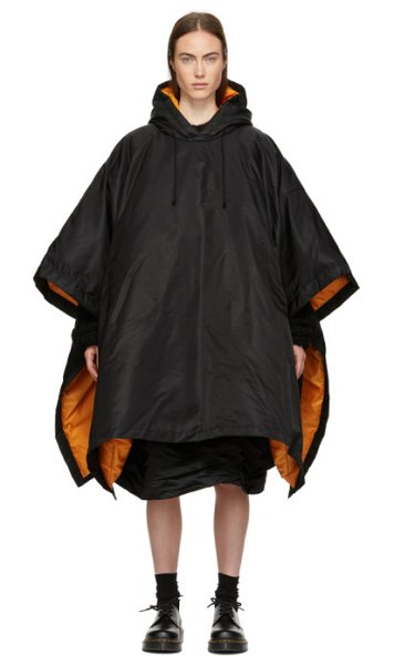 Comme des Garçons Comme des Garçons Down Hooded Poncho in black - Down-filled nylon twill poncho-style coat in black....