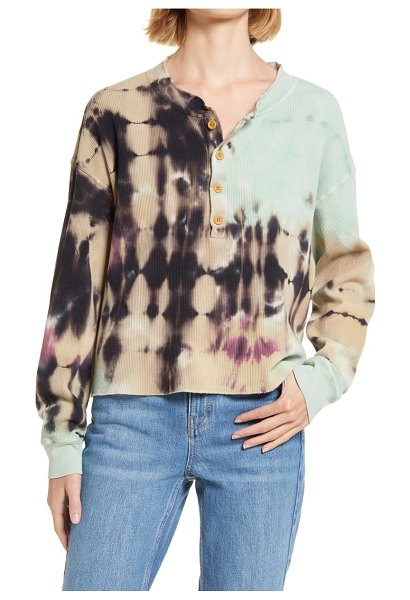 DAYDREAMER tie dye thermal henley in tie dye