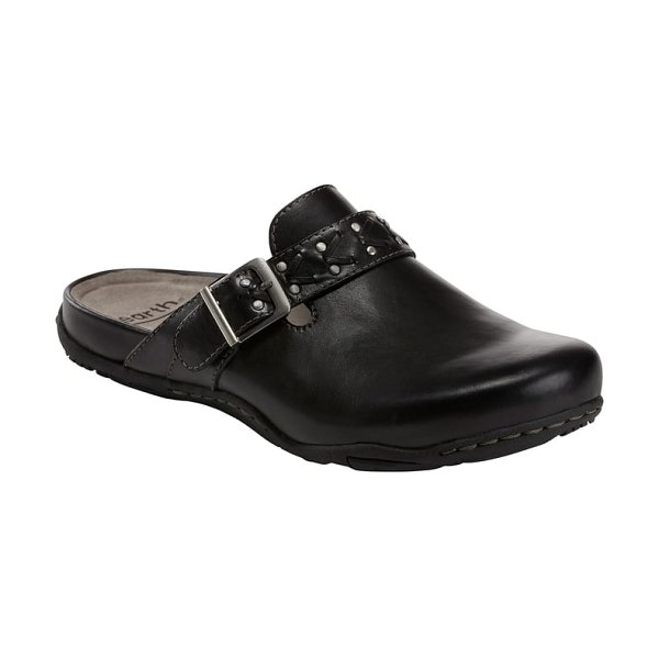Earth earth cayman clog in black leather