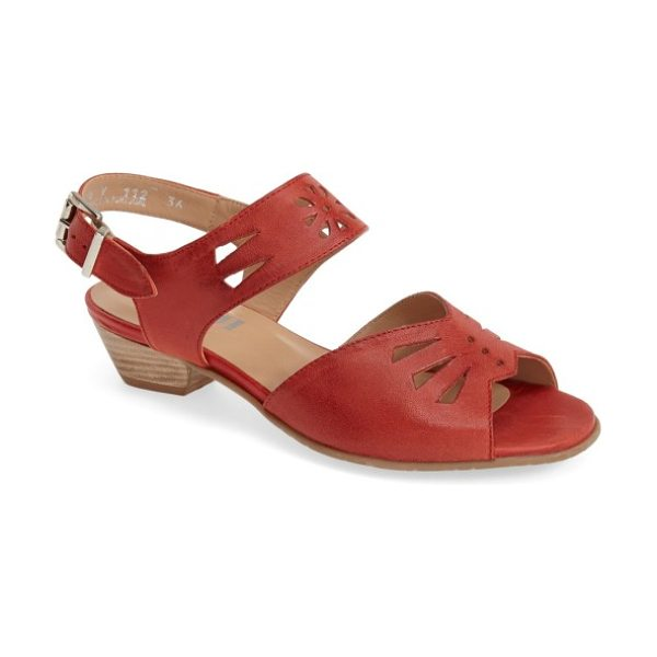 Fidji 'v112' perforated leather sandal in red